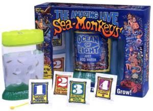 embalagem do brinquedo sea-monkeys com seus produtos que acompanham